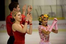 Standing ovation pour les patineurs à la fin du gala (crédit photo : Eva Garcin)