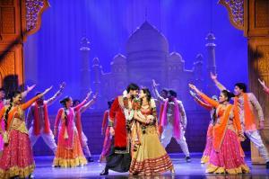 Un film Bollywood réussi retrace toujours l'histoire d'un couple qui finit heureux, quoi qu'il arrive. Crédit : P.Fretault