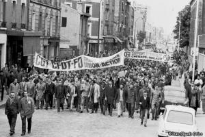 Le 13 mai, les ouvriers rejoignent le mouvement étudiant. Crédit photo : D.R.