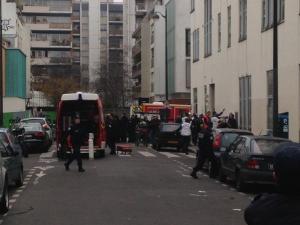 Les secours sont sur place suite à l'attaque qui a visé Charlie Hebdo (Soren Seelow)