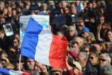 """De nombreux """"Vive la France"""" ont été clamés par les manifestants sur la Croisette. (Crédit photo : Jérémy Satis)"""