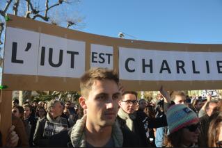 Les étudiants de l'IUT Journalisme de Cannes, et ses enseignants, étaient sur place. (Crédit photo : Jérémy Satis)