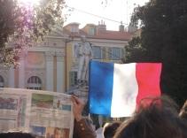 Le drapeau français, et les valeurs de la République , comme un symbole... (Crédit photo : Skander Farza)