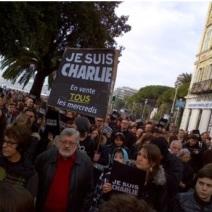Tous derrière un même slogan. (Crédit photo : Grégoire Bosc-Bierne)