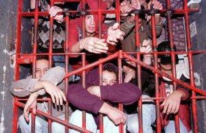 La surpopulation dégrade les conditions de vie de chaque prisonnier. Crédit: Brunodesbaumettes