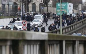 Des dizaines de CRS sont arrivés la porte de Vincennes. Crédit: AFP.