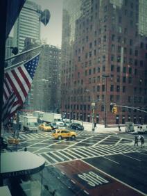 A New York, la neige recouvre les bâtiments (crédit: @4lisaguerrero)