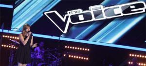 """Louane Emera interprète """"Un homme heureux"""" lors de son audition à l'aveugle à """"The Voice"""". Crédit Photo : DR"""