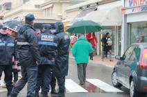Pour rassurer les passants, les policiers sont mobilisés par la mairie (Crédit : S.F.