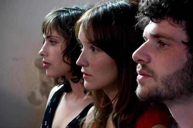 A trois on y va! est sorti en salles ce mercredi 25 mars. Crédit photo: Têtu.com