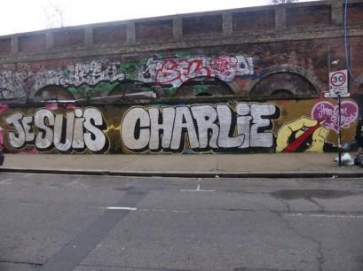 Les graffeurs Captain Sidcup et Cept unissent leurs forces pour réaliser cette oeuvre à Londres. Crédits : Captain Sidcup / Cept