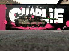 Le char d'assaut de la liberté d'expression par l'artiste Gris1, à Lyon. Crédits : Gris1