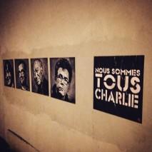 """""""Nous sommes tous Charlie"""" par le pochoiriste lillois Jef Aerosol à Paris. Crédits : Jef Aerosol"""