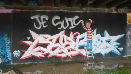 """Le graffeur Nacle écrit """"Je suis Charlie"""" à Besançon. Crédits : Nacle"""