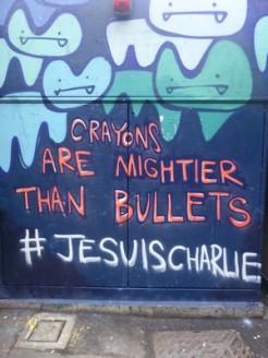 """""""Les crayons sont plus puissants que les balles"""" par l'artiste Pure Evil, à Londres Crédits : Pure Evil"""