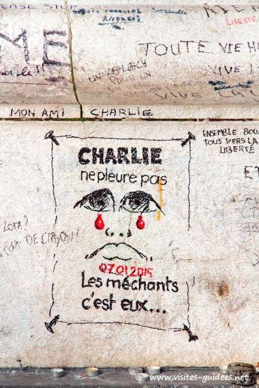 Un dessin réalisé le soir des attentats du 7 janvier, place de la Nation à Paris. Crédits : visites-guidees.com