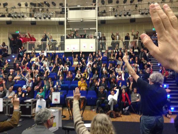 La grève reconduite pour le 22ème jour. Un vote largement majoritaire (Crédit photo : @arnaud_jamin sur Twitter)