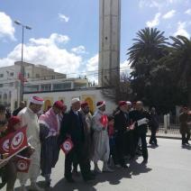Une délégation religieuse venue condamner le fondamentalisme qui a attaqué le musée du Bardo (crédit photo: @swengrr sur Twitter)
