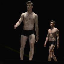 Deux mannequins hommes lors du défilé en maillot de bain. Crédit photo Cyrille Ardaud