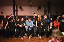 Le groupe au début du spectacle. (Crédit photo : Matthias Somm).