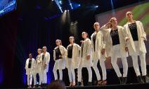 Toutes les mannequins femmes avant l'annonce des gagnants. Crédit Photo : Cyrille Ardaud