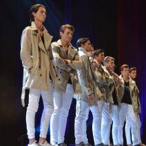 Les mannequins hommes attendent les résultats de la finale du concours Enjoy Models. Crédit Photo : Cyrille Ardaud