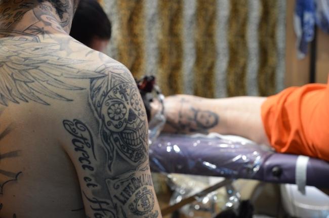 Hommes tatoués