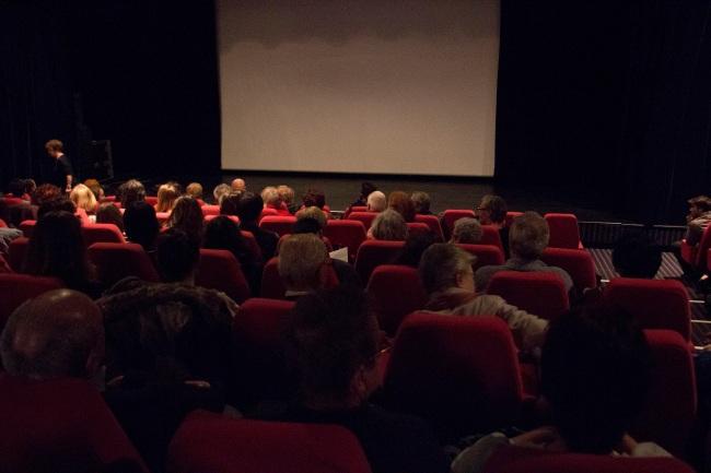 La salle de cinéma de la MJC Picaud était pleine lors de la diffusion de Spartacus et Cassandra. Crédit Photo :  Lhadi Messaouden