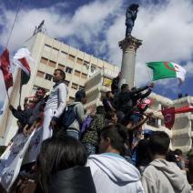 La Tunisie et le Maghreb tout entier étaient au rendez-vous place du Bardo (crédit photo: @swengrr sur Twitter)