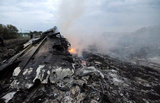 Aucune explication officielle ne permet de justifier les circonstances de la tragédie, presque un an après le crash. Crédit: AFP