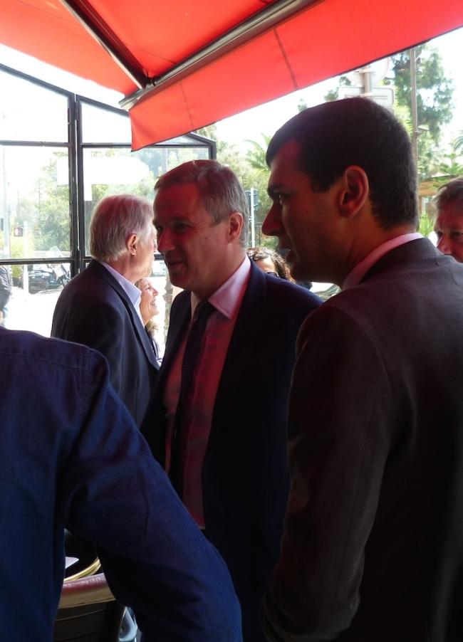 Le leader de Debout la France avec Gaël Nofri. (Crédit photo : Loris Bavaro)