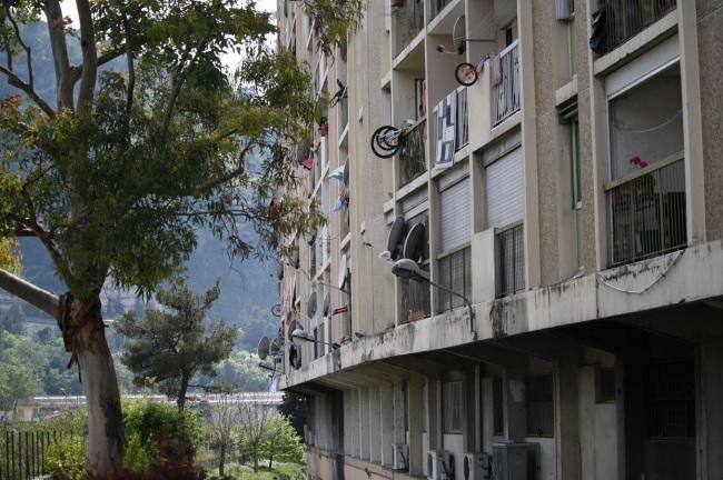 Une des barres d'immeuble du quartier de l'Ariane à Nice. (Crédit photo: Grégoire Bosc-Bierne)
