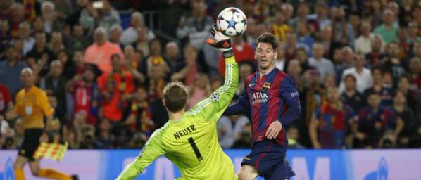 Le second but du petit Argentin qui ajuste d'un lob parfaitement réalisé le grand gardien allemand Neuer. (Crédit Photo: Ligue des Champions Officiel)