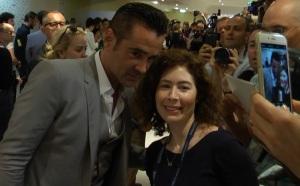 Johanna posing with Colin Farrell. (Credit photo : Carmen Joukhadar)