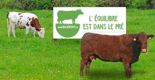 2000 banderoles «L'équilibre est dans le pré» ont été distribuées aux éleveurs. (Crédit photo: La Vache verte)