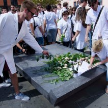 Les étudiants étaient vêtus d'une blouse blanche symbole des étudiants en médecine. Crédit : Wilhem Lelandais-Foyer
