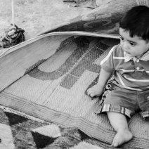 Ce bébé a été posé en fin d'après midi devant la tente, une fois la chaleur passée. Il accueille volontiers les invités. (Crédit photo : Matthias Somm)