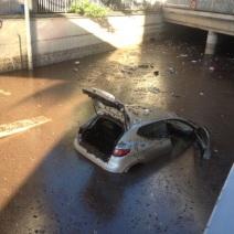 Les dégâts sont considérables ici à la gare SNCF (Crédit Photo : Maxime Gil)