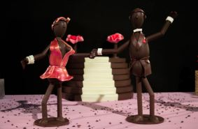 Deux figurines en chocolat de la boutique Xocoalt (Crédit photo : Cyrille Ardaud)
