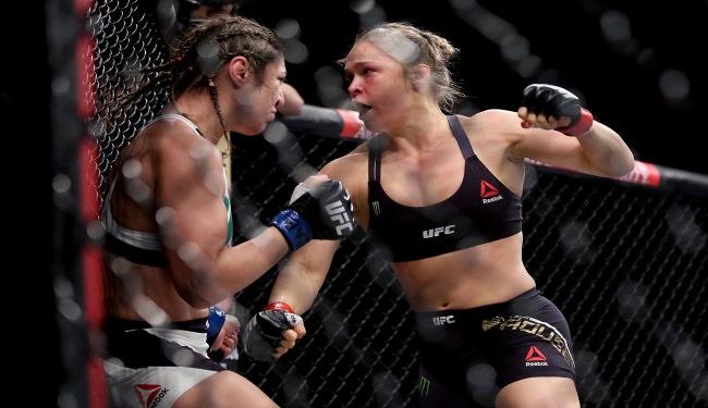 Ronda Rousey contre Beth Correia. (Crédit photo : Getty Images)