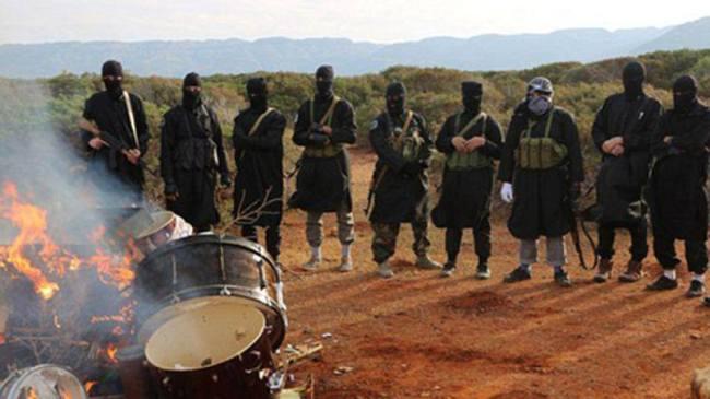 En Libye, le groupe Etat Islamique avait brûlé des instruments de musique en février dernier (crédit photo: D.R.)