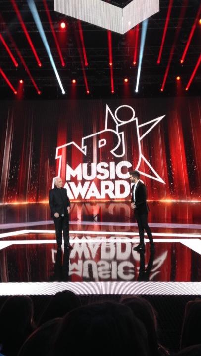 Charles Aznavour et Kendji Girac chantent « La Bohème » sur la scène des NMA. (Crédit photo : Gaspard Poirieux)