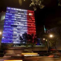 Le drapeau français apparaît sur les murs du Sénat mexicain (crédits photo : Tomas Bravo/Reuters)