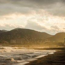 Près de Mandelieu, le spot de Thalès accueille de nombreux surfeurs. Crédit : Matthias Somm