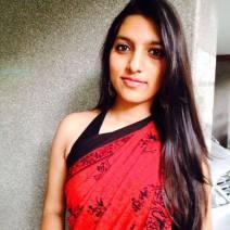 Apoorva Naidu, 19 ans, Nagpur, Inde. «Je suis sûre que je travaillerai dans le monde de la finance ou de l'économie. Je vois ma carrière aller très loin. J'espère et je crois qu'elle sera un succès.Toute ma génération est extrêmement optimiste pour sa carrière professionnelle. L'éducation entraîne cet optimisme. Les jeunes croient qu'ils peuvent faire carrière dans différents domaines tels que la publicité, le divertissement, la musique, l'art, la danse par exemple. Ce qui est bien car cela illustre le fait que toutes les professions se développent. Pas seulement les métiers liés à la médecine où à l'ingénierie par exemple.Mais d'un autre côté, l'Inde nécessitera encore beaucoup de temps pour véritablement être un pays développé. Quand on parle de «l'Indien moyen», on ne parle pas du jeune diplômé plein d'espoir pour son futur professionnel, mais d'un individu sans éducation qui vient d'un village pauvre. L'Inde a encore besoin de temps et de patience. Mais je suis sûre que ces problèmes seront résolus tôt ou tard».Crédit: Apporva Naidu