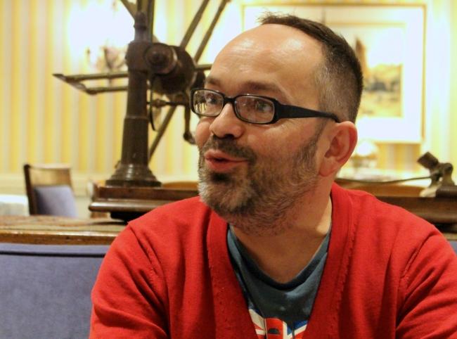 Passionné et abordable, Xavier Leherpeur ne se lasse jamais de parler de cinéma. Crédit photo: Nicolas Faure.