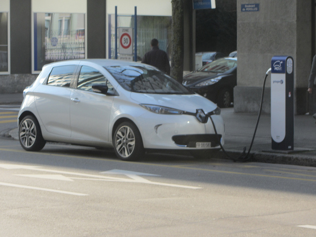 La Renault Zoe est la voiture électrique la plus vendue en 2015 (Crédit photo : Daniel_v8dub/Flickr)
