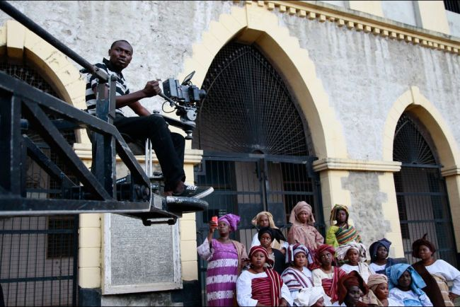 Sur le tournage d'Ake, un film de Wole Soyinka. (Crédit photo : Akintunde Akinleye/Reuters)