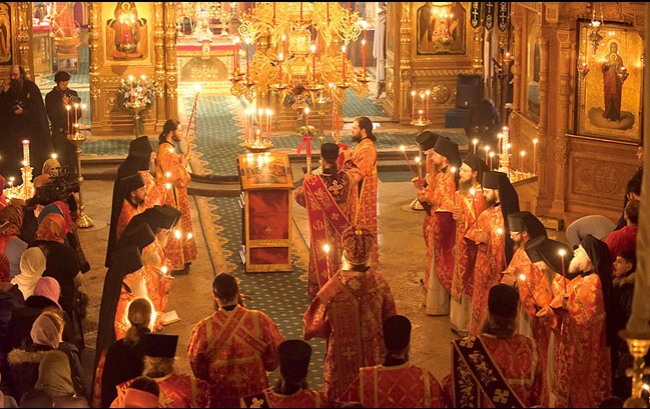 Rénové il y a quelques années seulement, le monastère accueille le chant des moines depuis le XIIe siècle. (Crédit photo : Bel Air Média)