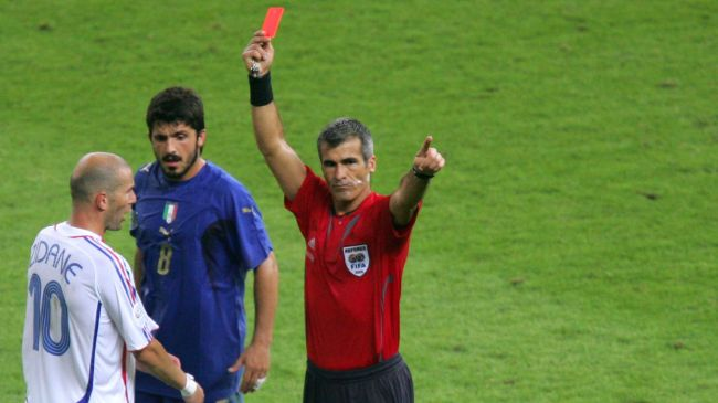 Zidane 2006 carton rouge crédit AFP:Roberto Scmidt